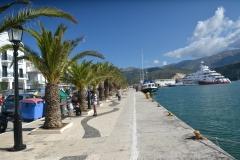 Ciepłą Grecja w marinie miejskiej.