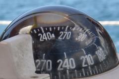 Kompas wskaże Ci drogę.